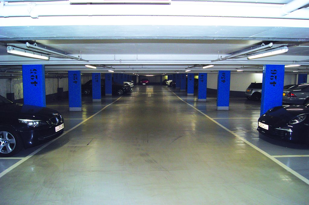Car Parking Near Hyde Park