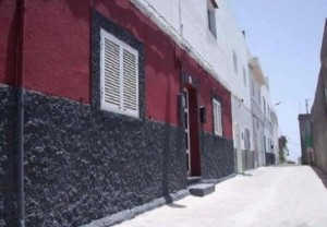 granadilla tenerife 300x208 6 Remarkably Cheap Property Repossessions For Sale In The Sun (Under 50,000 EUR)
